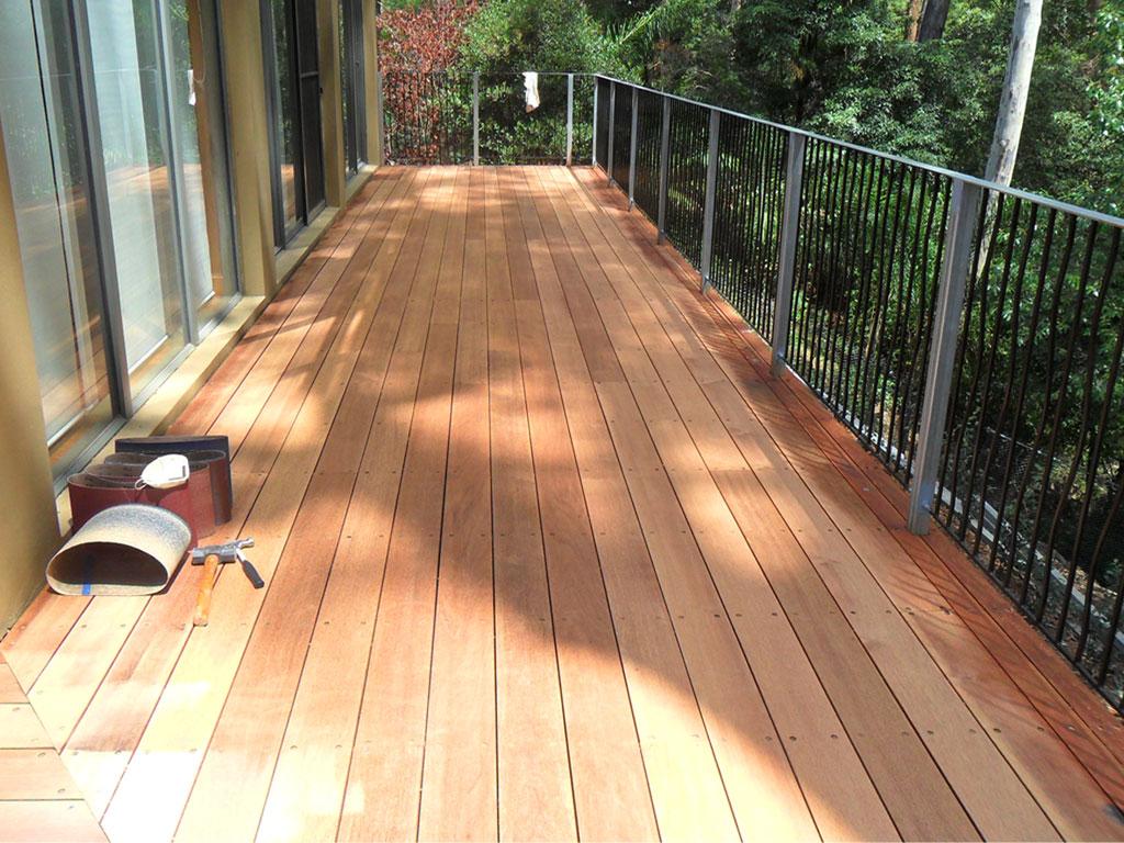 deck_sanding02.jpg
