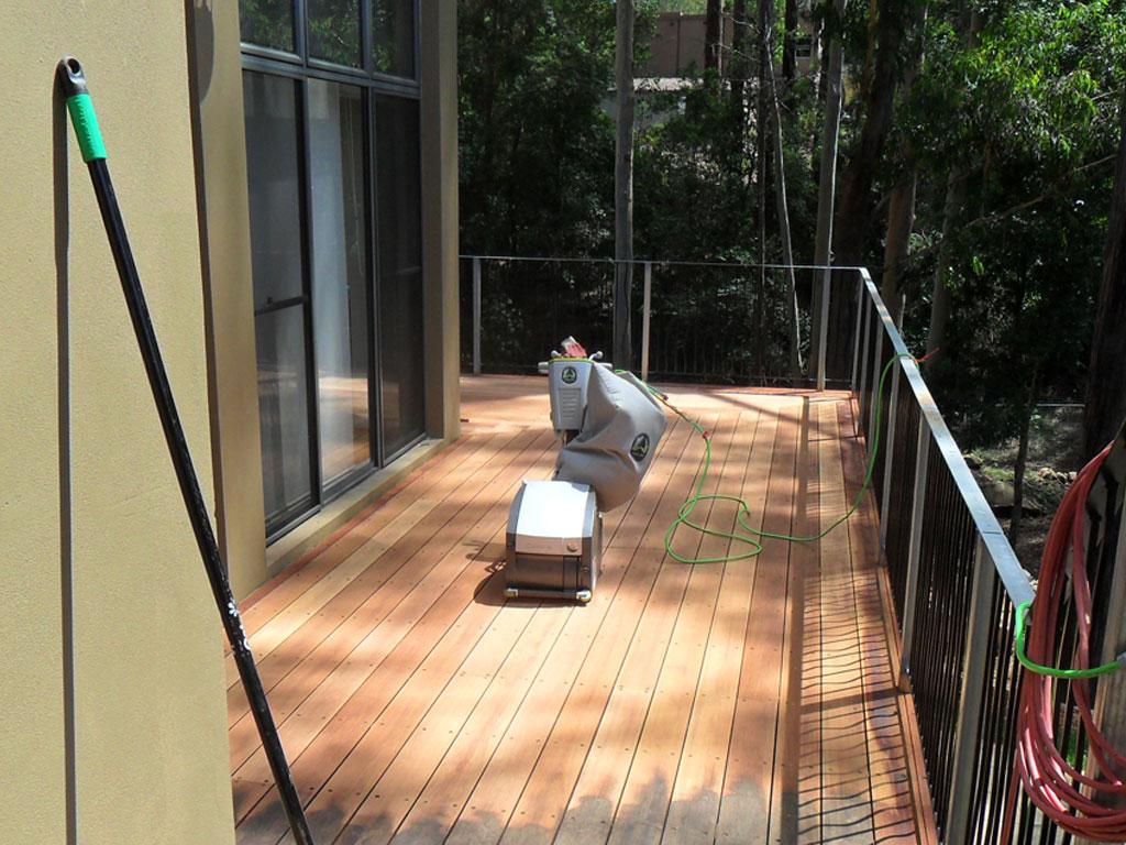 deck_sanding01.jpg