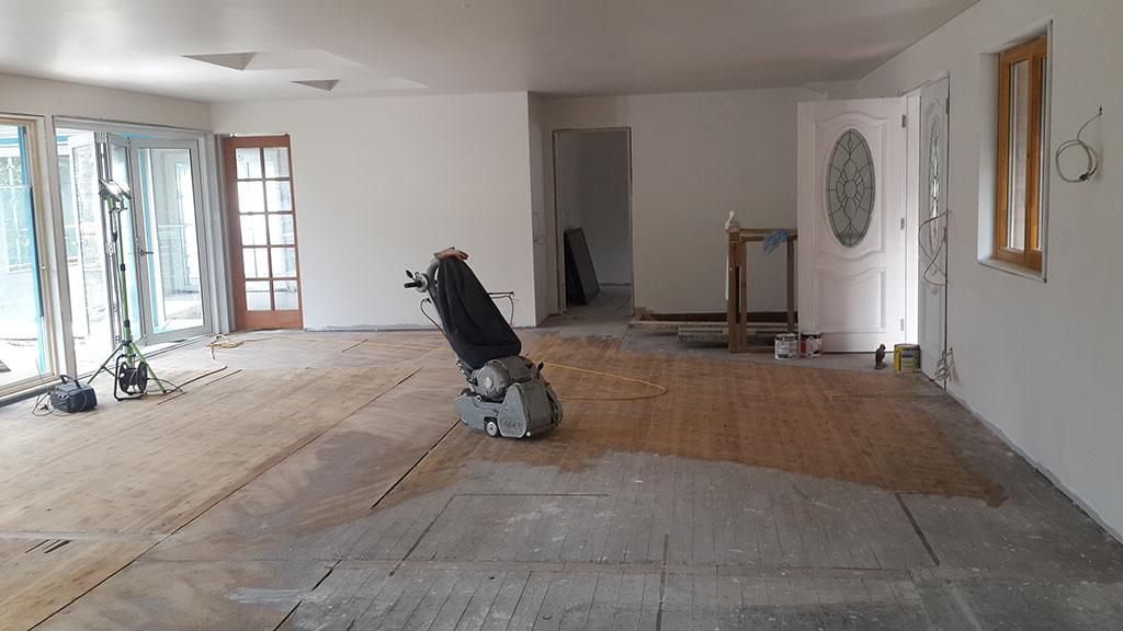 hardwood_floor_02.jpg
