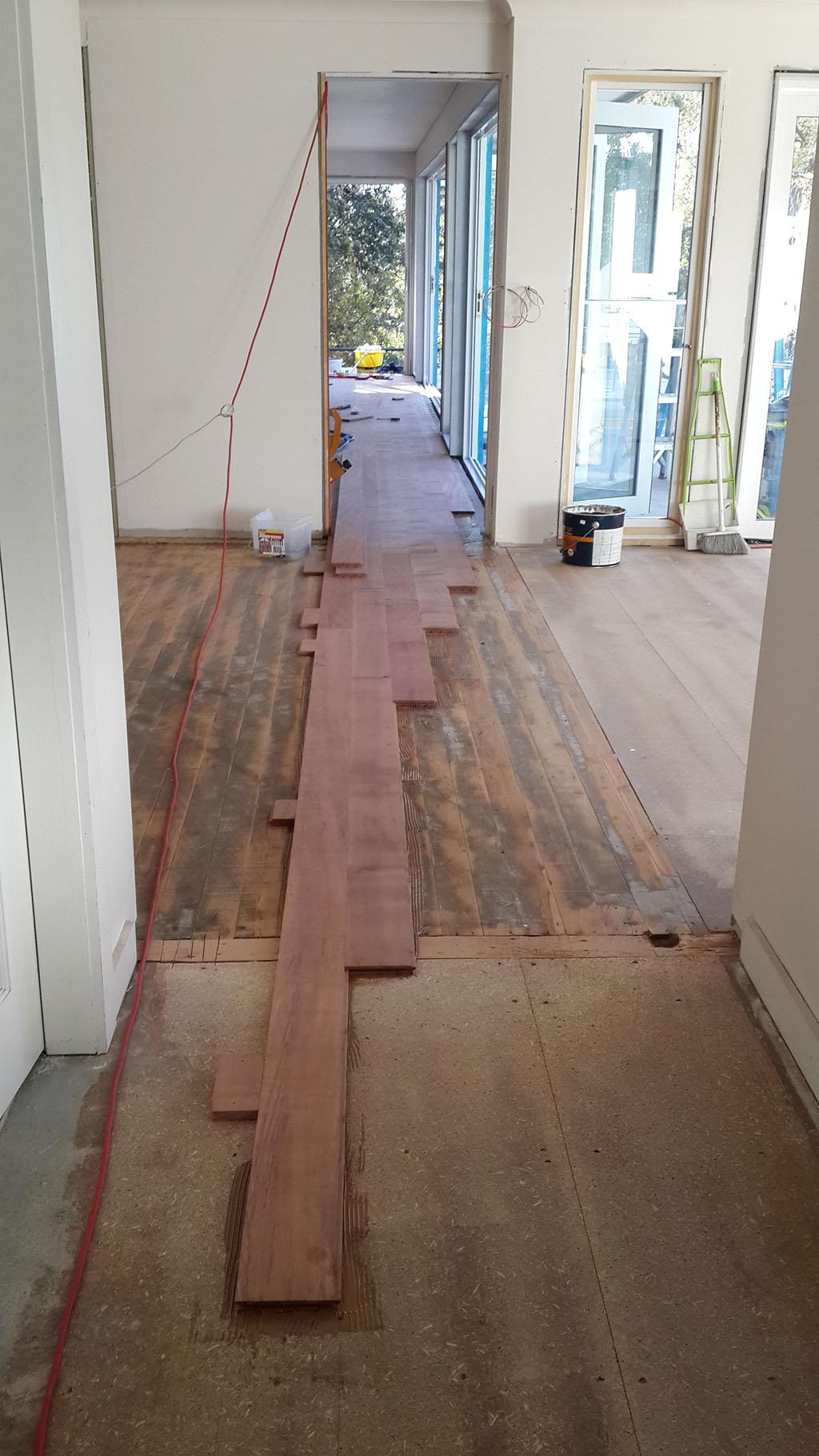 hardwood_floor_01.jpg